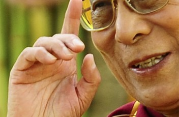 dalai-lama-right-hand-pointer-finger-up