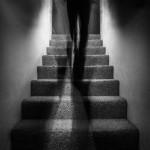 Namuose vaiduoklis, ką daryti?